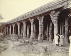 Portion of the façade of the Jami Masjid, Bharuch 1835